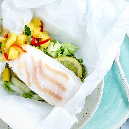 Fischpäckchen mit Ananas-Salsa